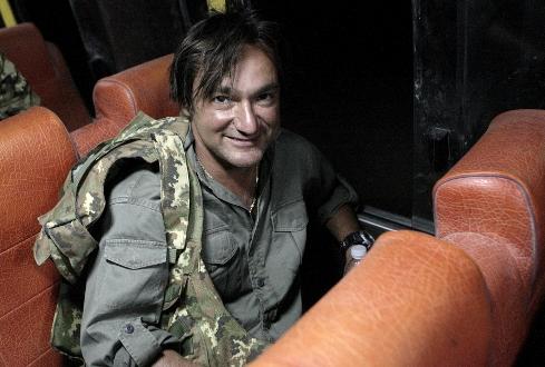 """Fabio Caressa in un fotogramma del suo programma di guerra """"Buongiorno Aghanistan"""""""