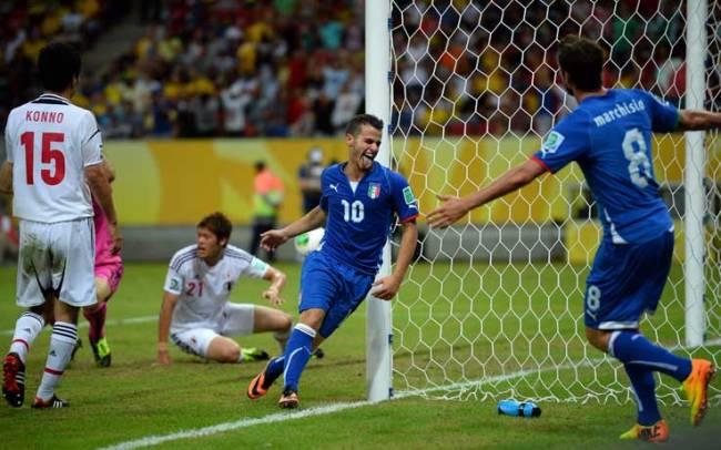 Sebastian Giovinco esulta dopo il gol del 4-3