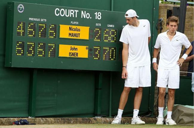 Isner e Mahut al termine del loro storico match