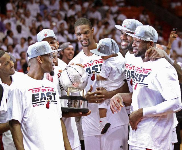 Gli Heat festeggiano la vittoria della Eastern Conference