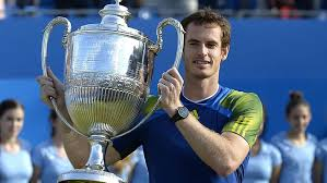 Murray alza il trofeo del Queen's