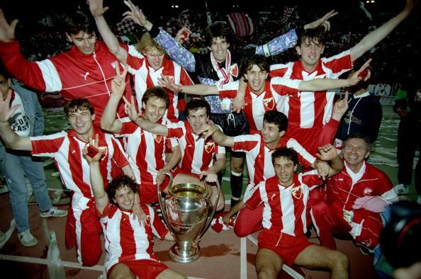 Bari, l'inizio della festa della Stella Rossa per la vittoria della Coppa Campioni 1991