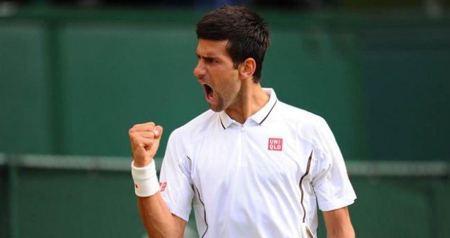 Novak-Djokovic-Wimbledon-2013-rd-4_2966657