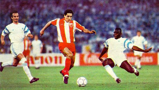 Darko Pancev in azione contro l'Olympique Marsiglia nella finale di Coppa Campioni