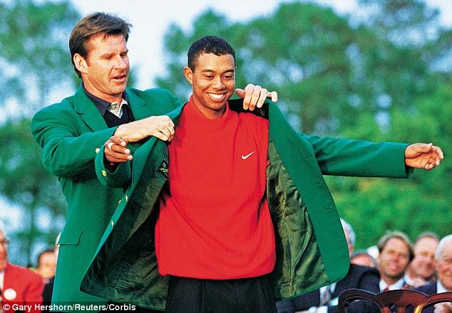 """Tiger Woods con la sua priam """"giacca verde"""""""