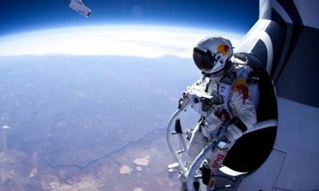 Felix Baumgartner pochi attimi prima del lancio
