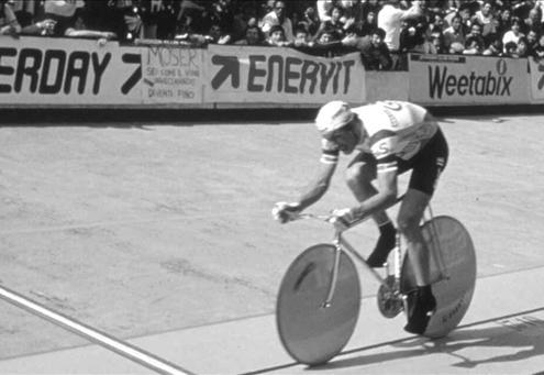 Moser durante il record dell'ora